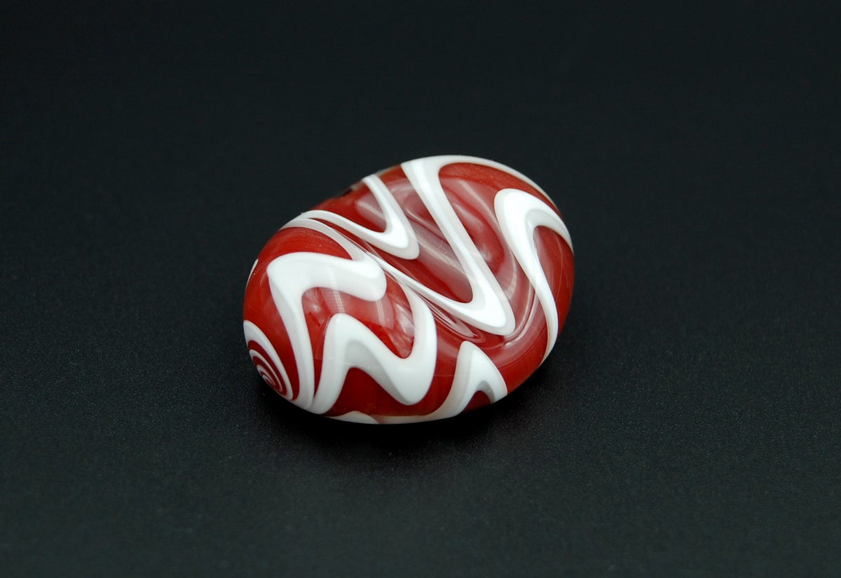 Image of glass pen pillow 012