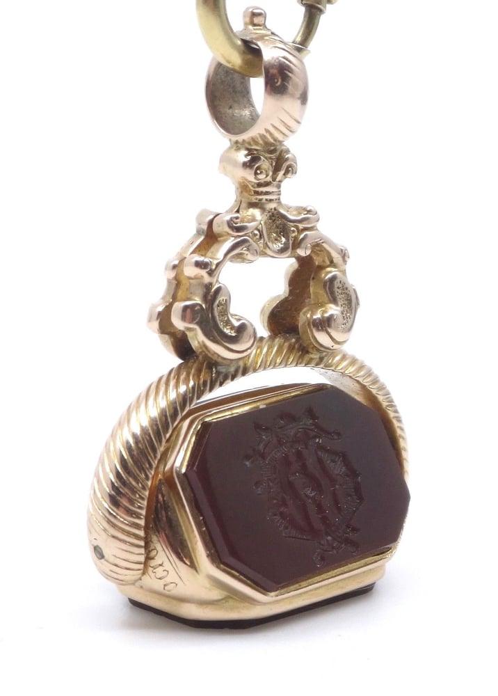 Image of Pendentif ancien cachet sceau rotatif en or 14k et pierre dure châtelaine XIXe