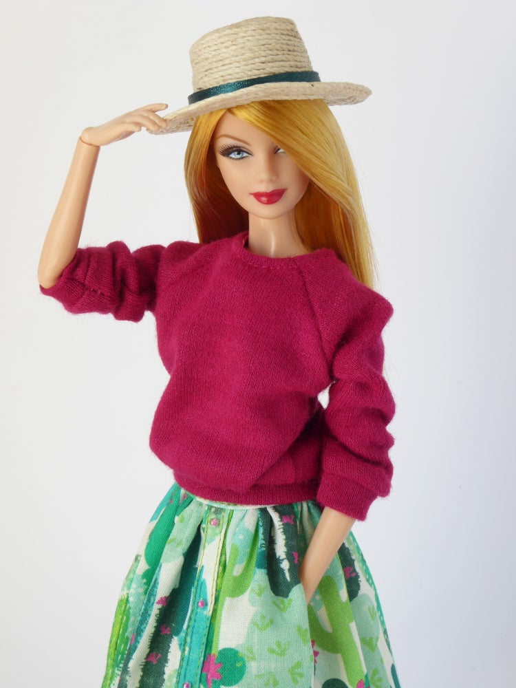 Image of Dark pink oversized sweater for Poppy Parker or Barbie (see description)