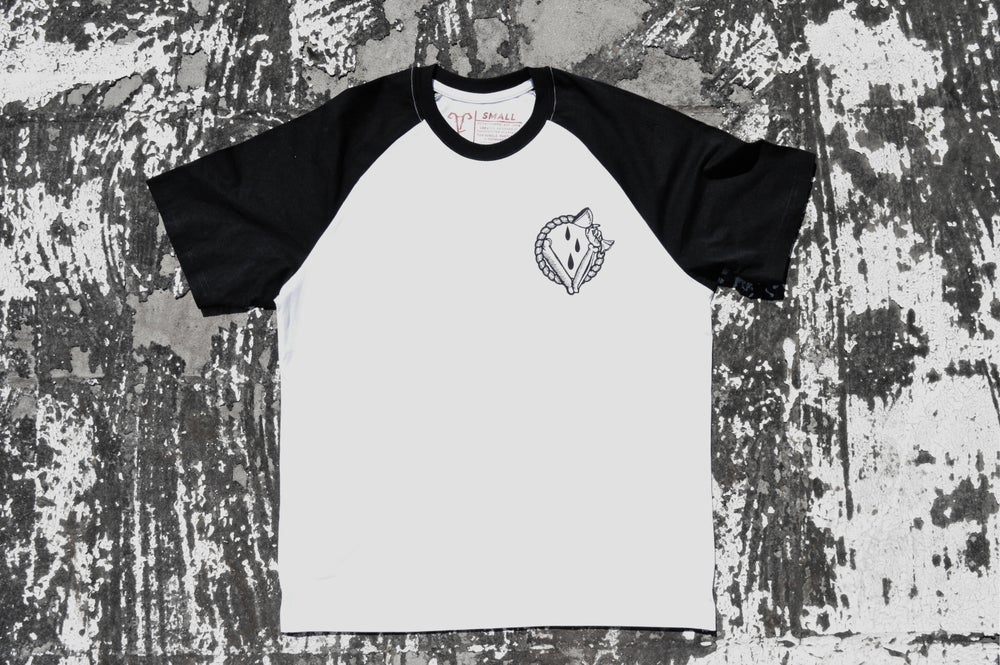 "Image of ""In Vino Veritas"" White Raglan T-Shirt"