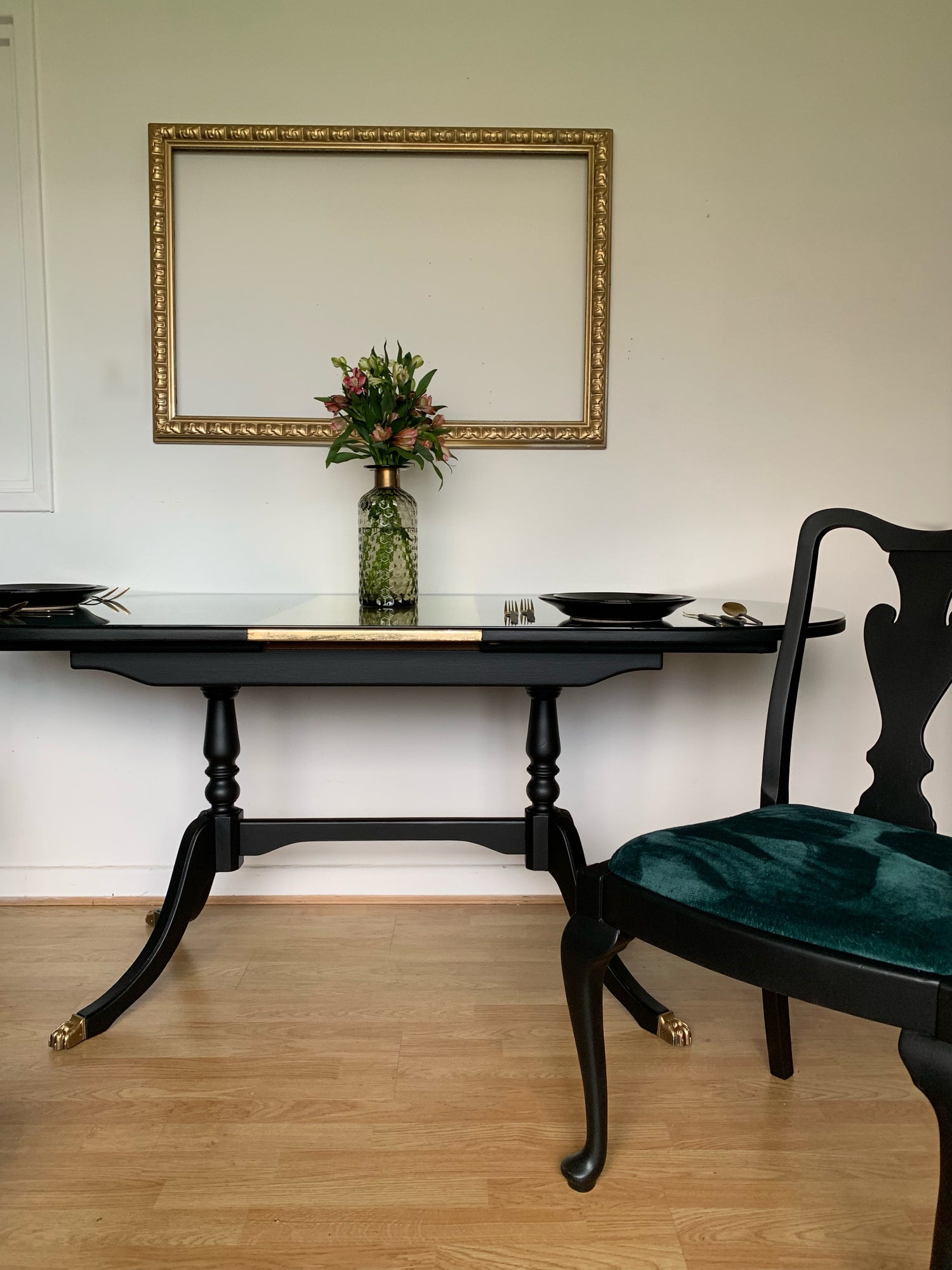 Image of Black & Gold dining table with 6 chairs