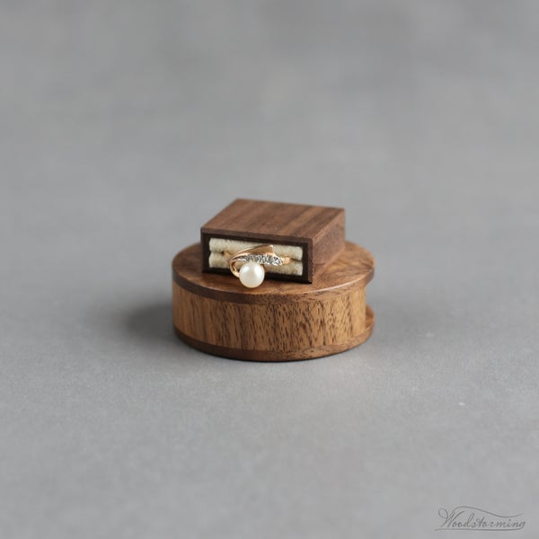 Image of Slim round Woodstorming ring box - ready to ship