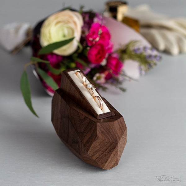 Image of Faceted ring box - wedding ring bearer box