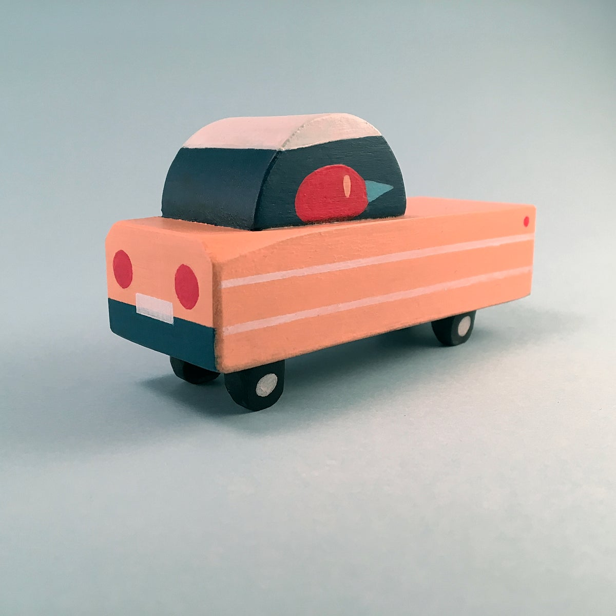 Image of Voiture PEACH REGAL