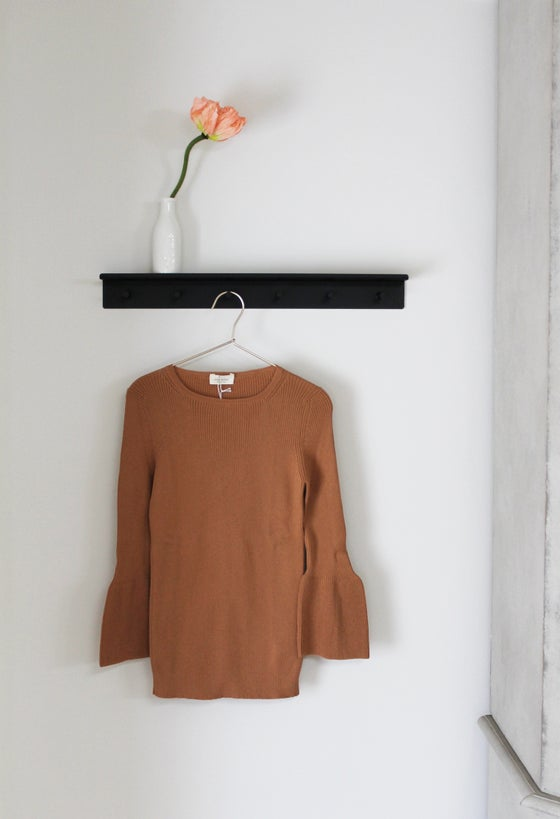 Image of Maglia campanella / Bell-line-sleeve ribbed jersey