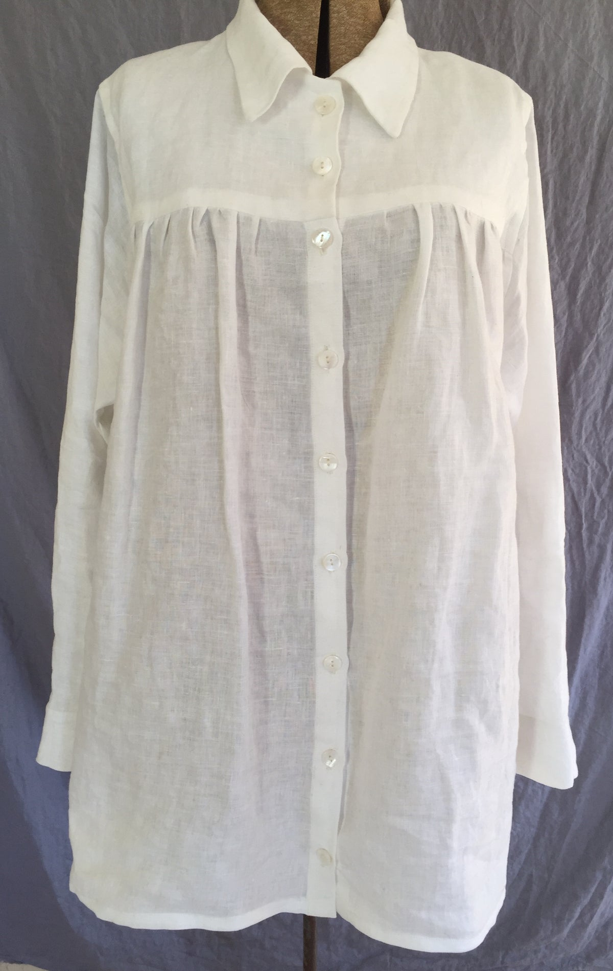 Image of collared button-down bodice blouse