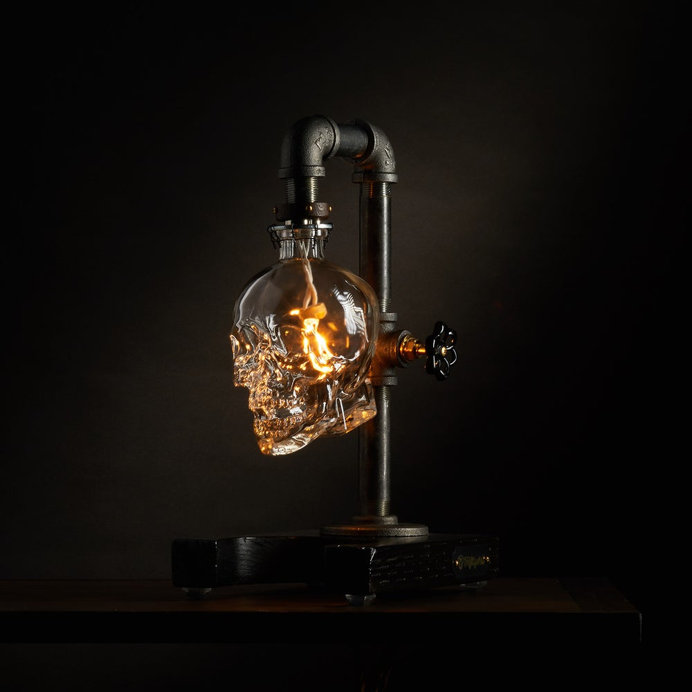 "Image of ""Max"" Skull Table Lamp"