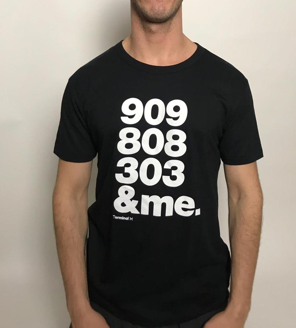Image of 909 - BAMBOO BLACK T.SHIRT