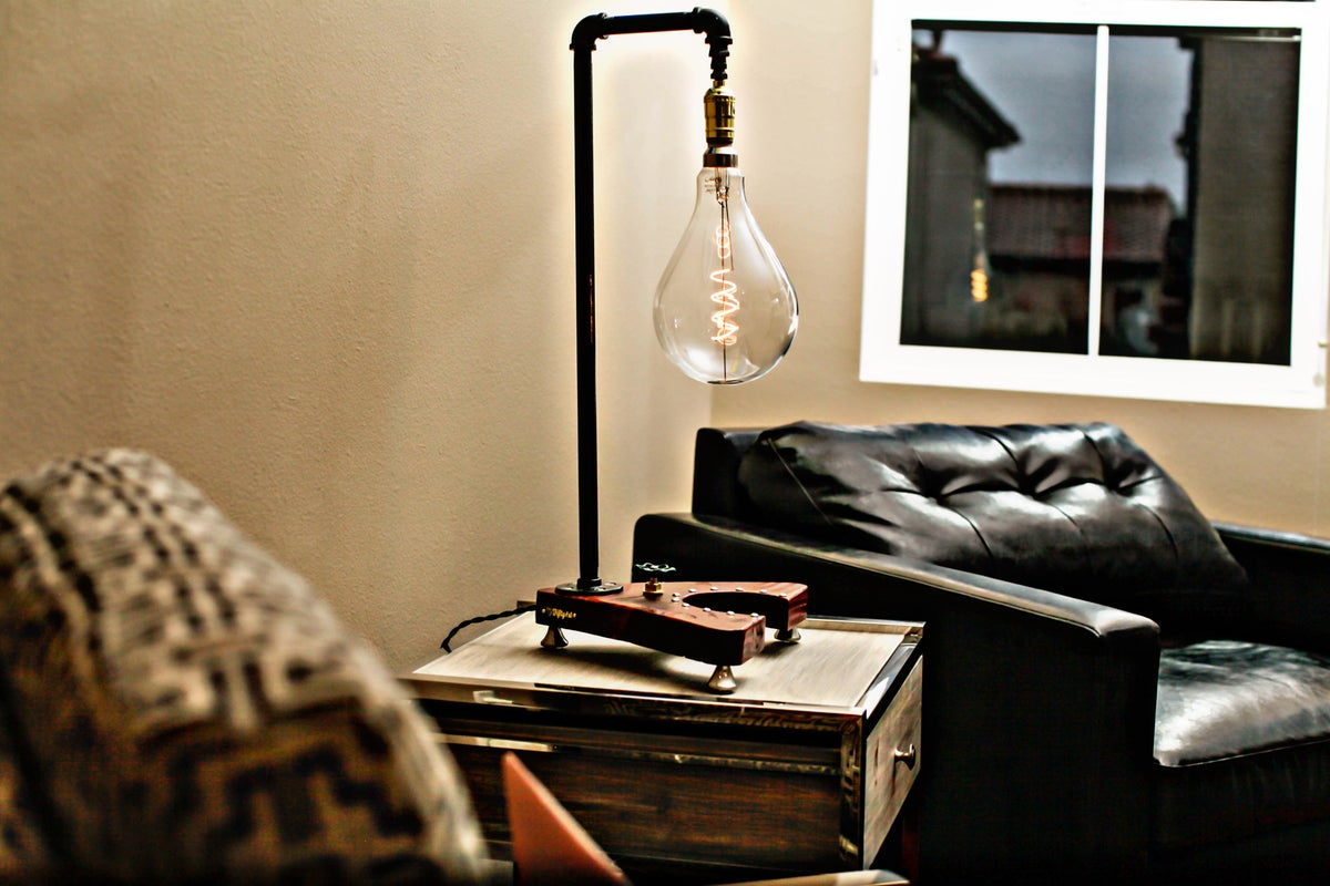 "Image of ""Adis"" Table Lamp"