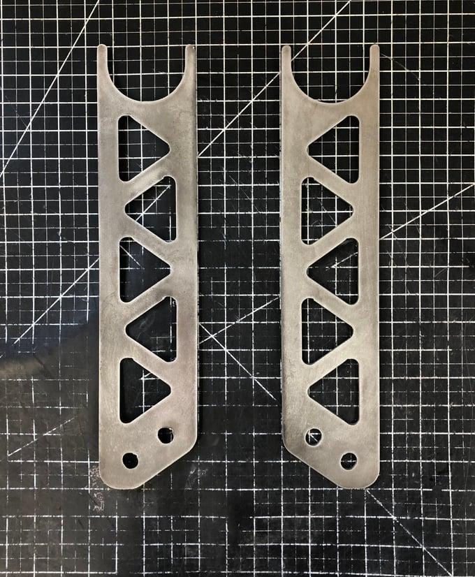 Image of S-13 Tension Rod Bracket Reinforcement Plate