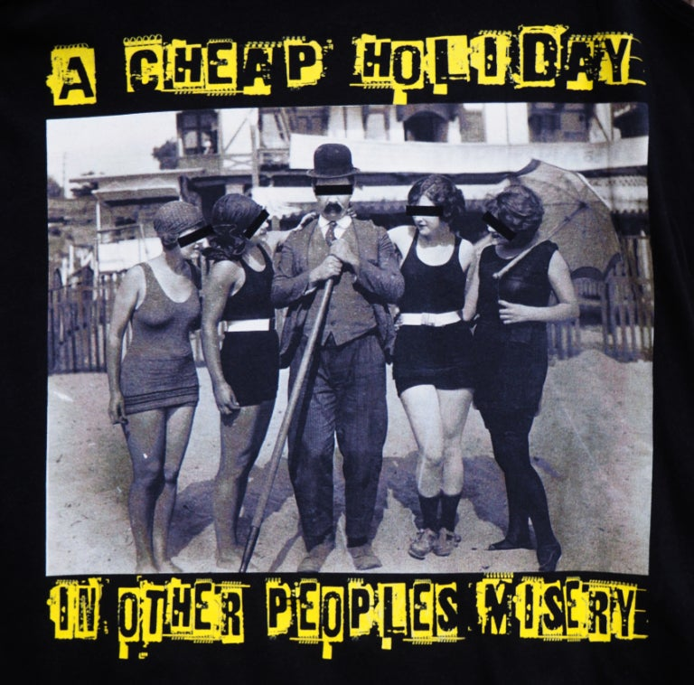 Image of A Cheap Holiday - série Fanclub © Selecterwolf