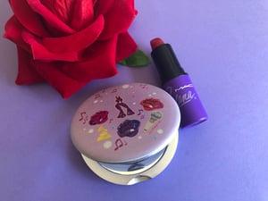 Queen Compact Mirror-✨New✨Lavender Color
