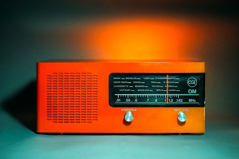 Image of CGE OM ORANGE (1971) RADIO VINTAGE BLUETOOTH
