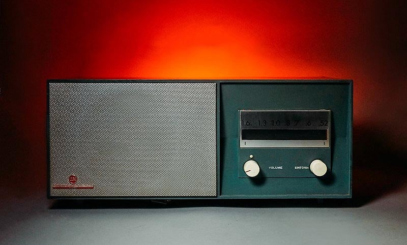 Image of CGE R330 GREEN BLUETOOTH (1965)
