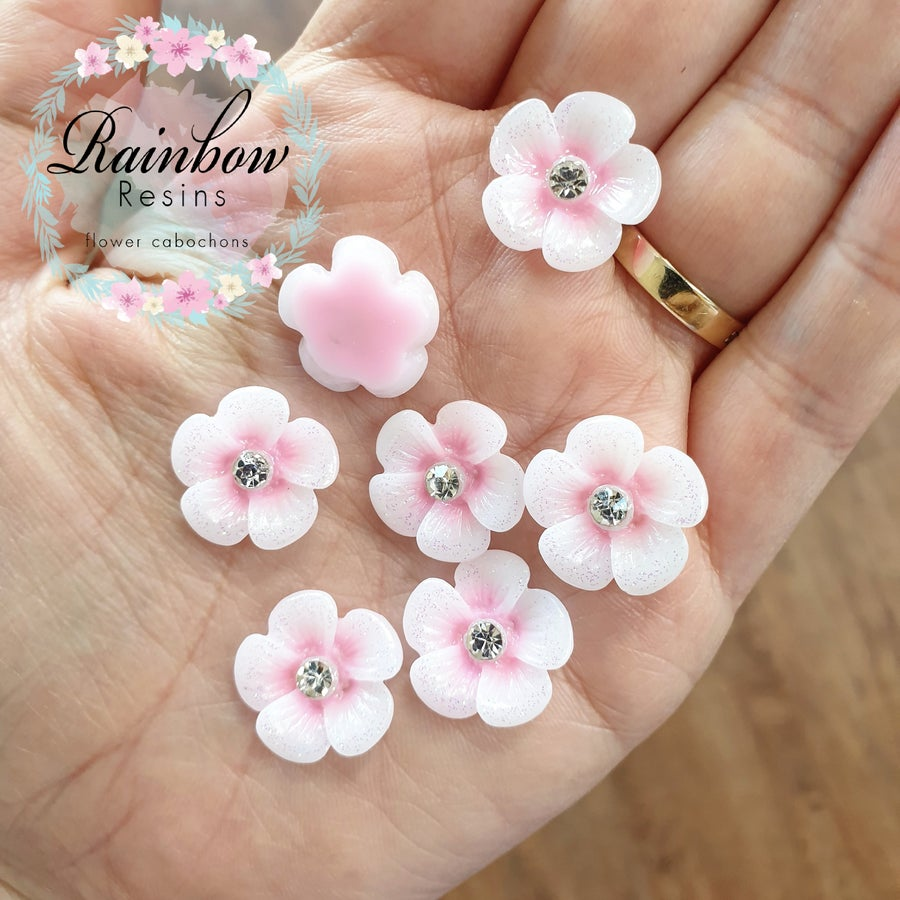 Image of Baby pink daisies with glitter and diamantes x 10