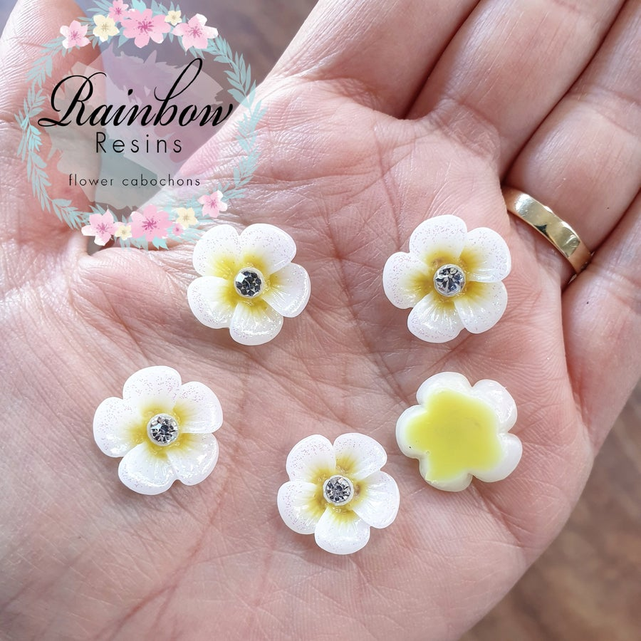 Image of Pale yellow daisies with glitter and diamantes x 10