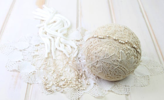 Image of Ivory Beaded Tieback with Jersey Ends