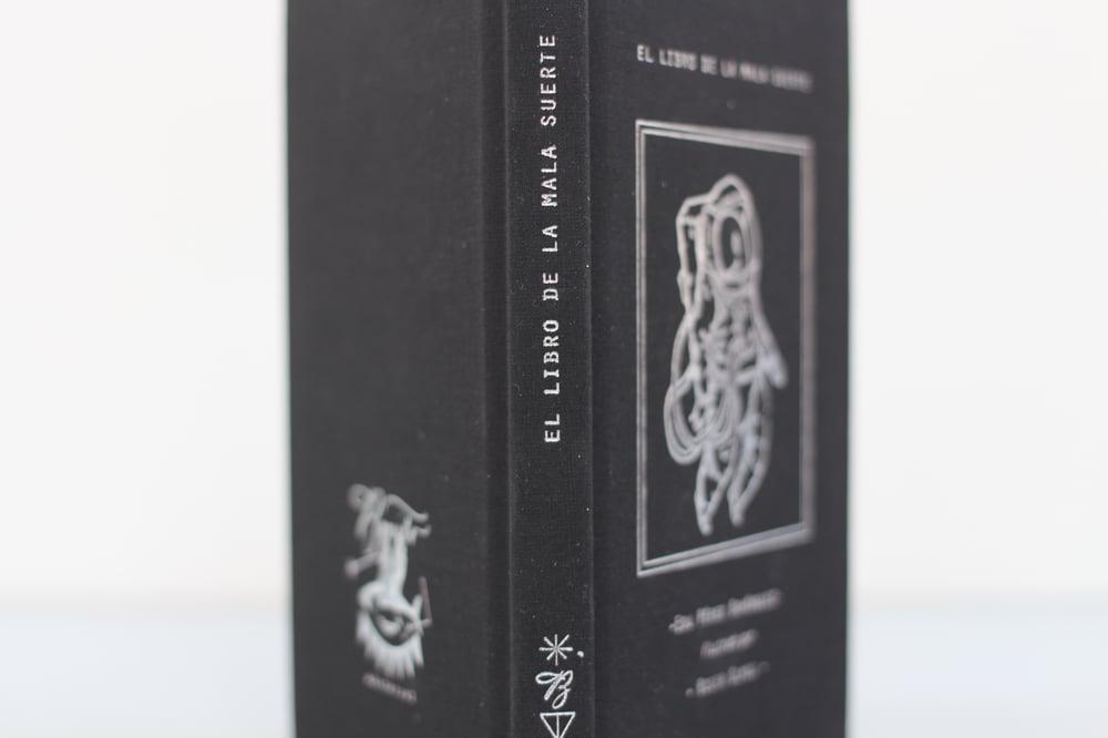 Image of El Libro de la Mala Suerte