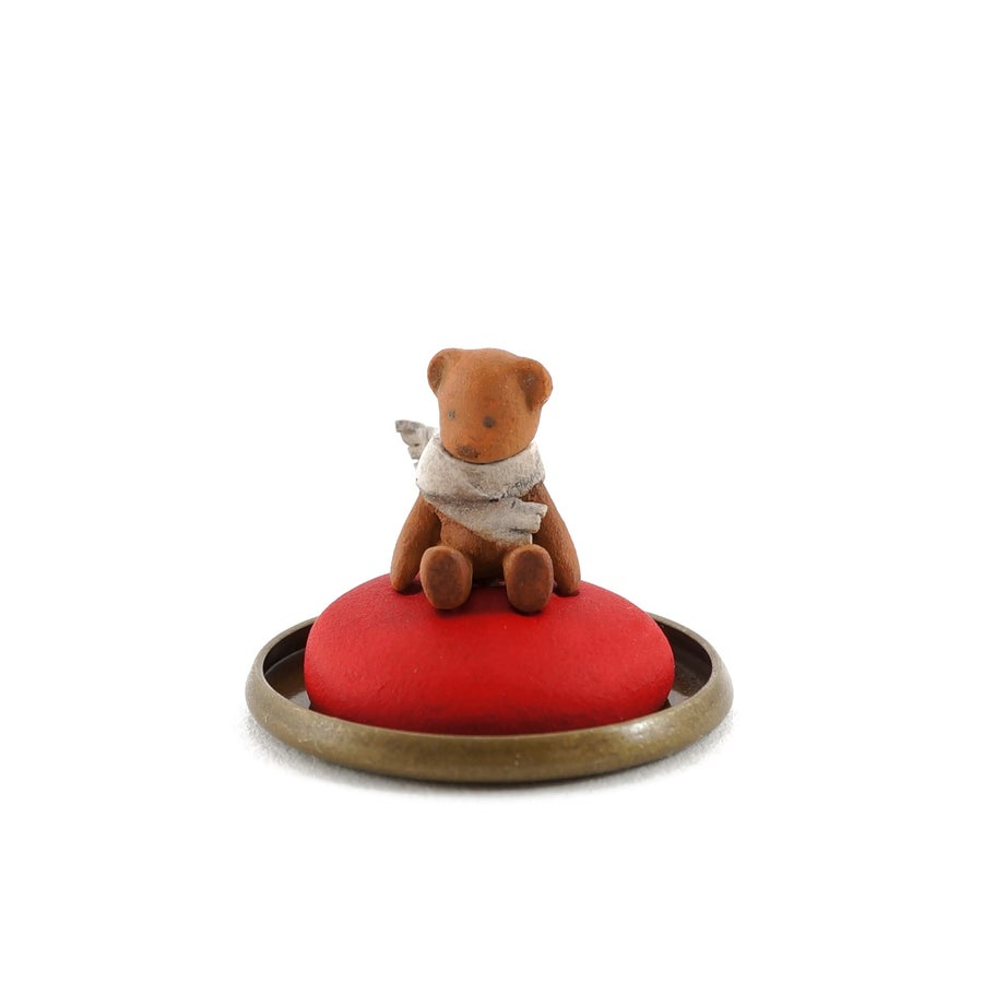 Image of Dorimu Miniature Teddy Bear in glass dome (#15)