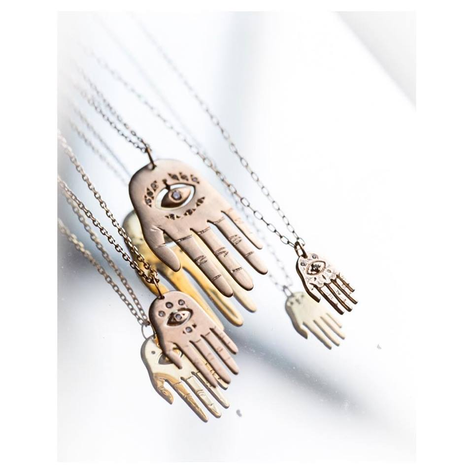 Image of COLLIER BABY HAND.