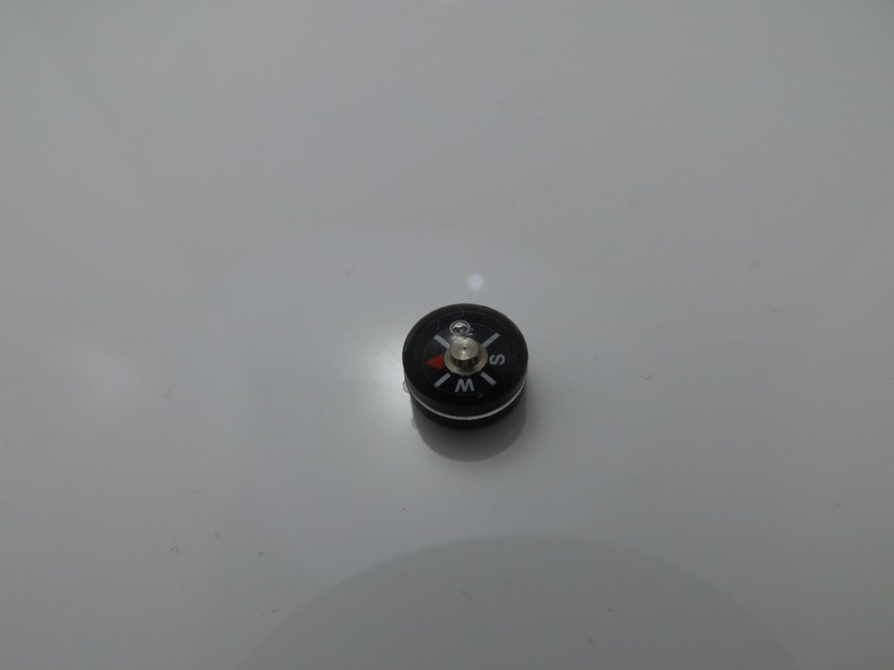 Image of 10mm Sere Button Compass