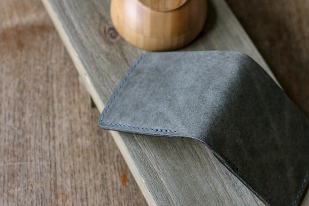 Image of Traditional Bifold in Grey Pueblo and Black Dublin