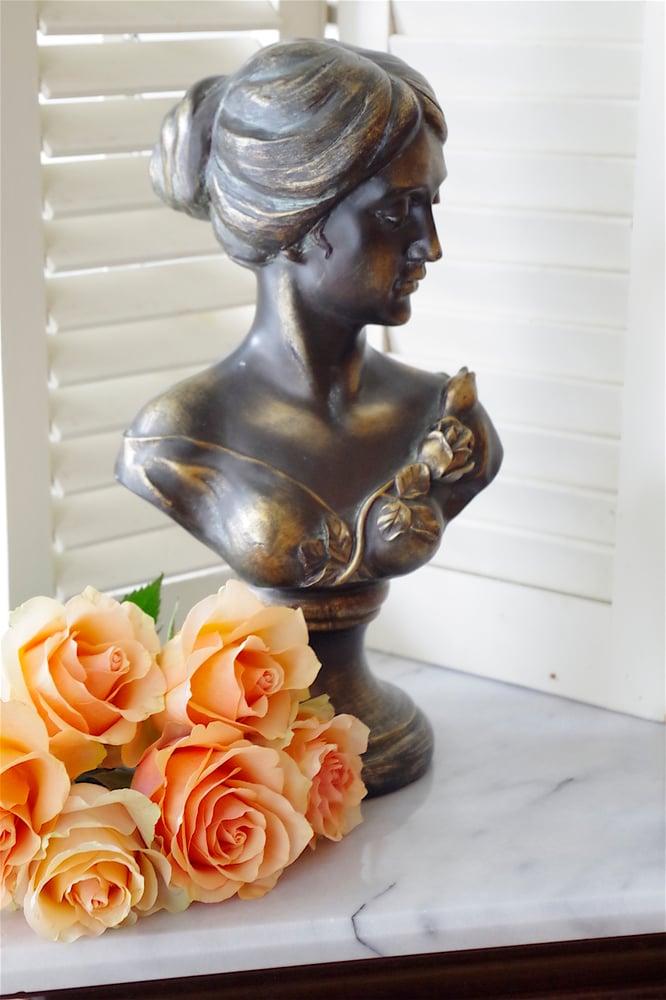 Image of Lady Rose