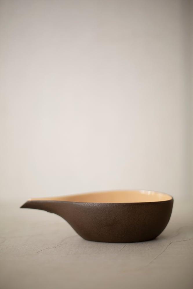 Image of Sake pourer in casted iron with enamel interior by Suzuki Morihisa Studio