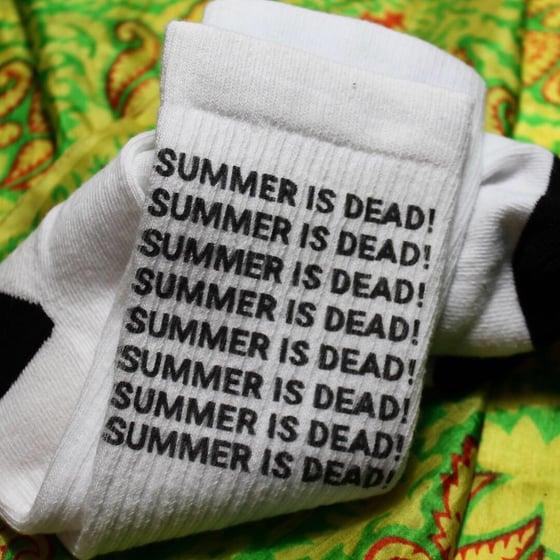 Image of SUMMER IS DEAD CREW SOCK