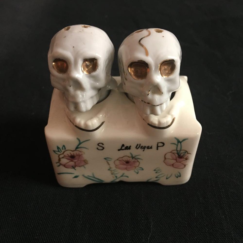 Image of Vintage Las Vegas Skull Nodding Salt Shakers