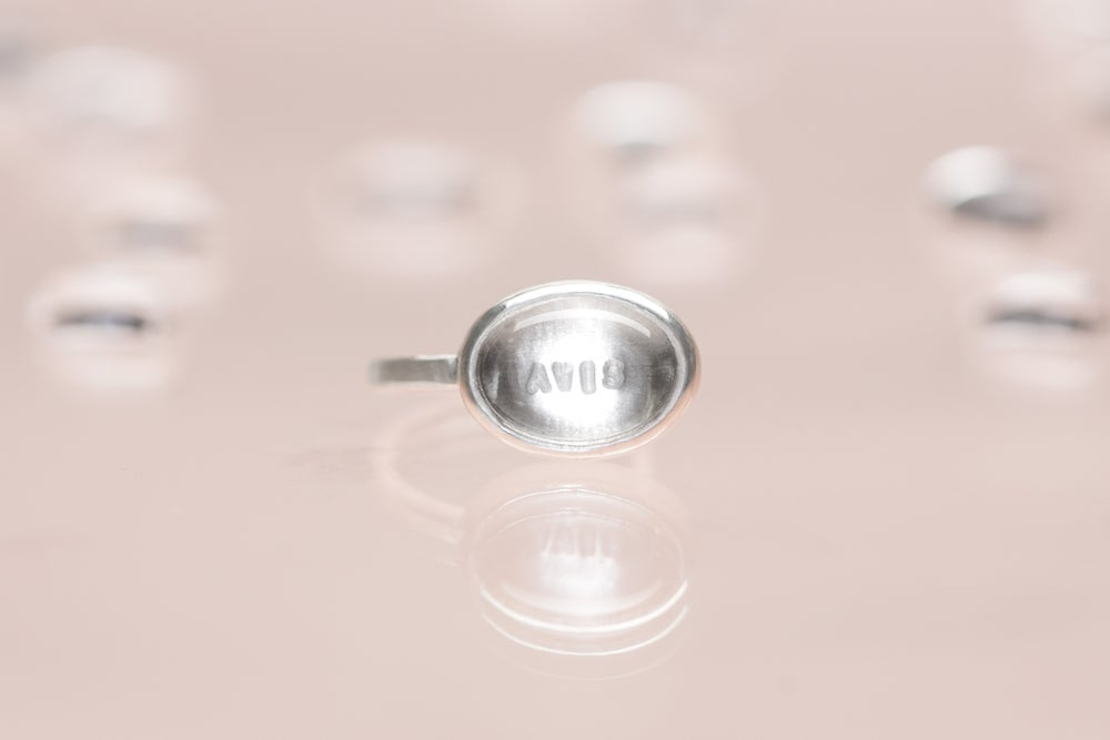 Image of silver ring with rock crystal AVIS