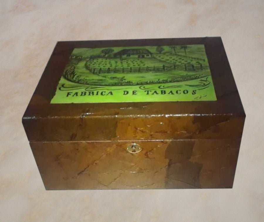 Image of Humidor 1  by Edin Gutierrez