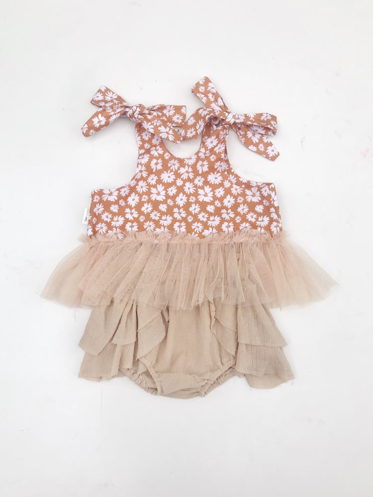 Image of 'meadow' frilly crop and bloomer set