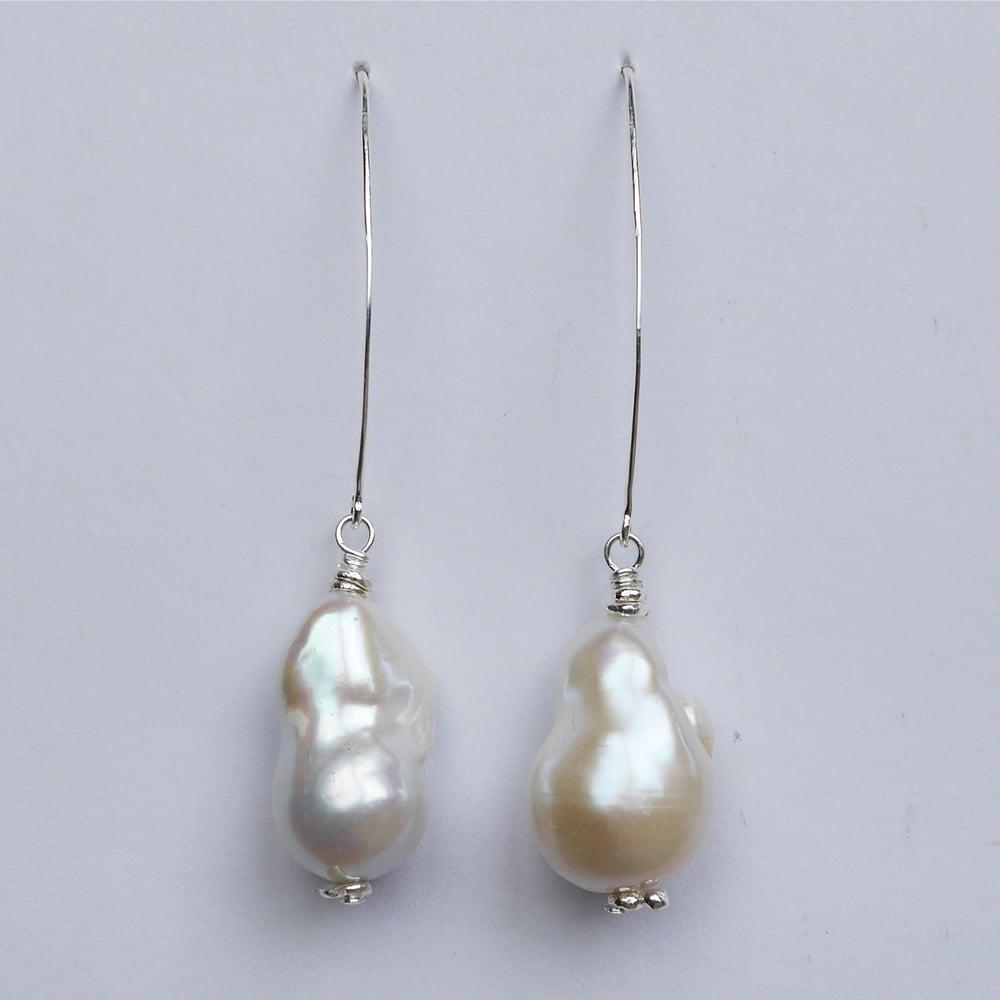 Image of Panama Earrings (white pearl)