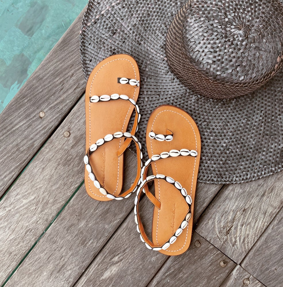 Image of The Seashell Sandals - Black