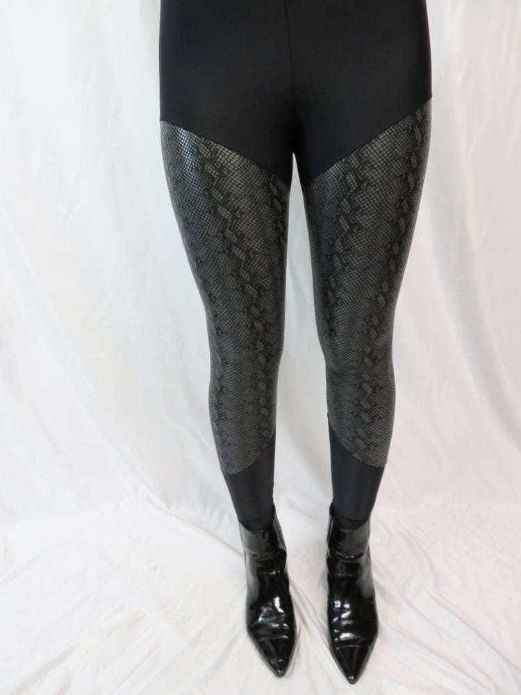 Image of Gray/Black Snake Skin Leggings