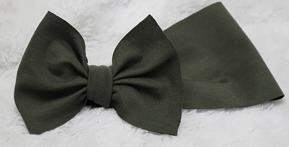 Image of Olive bow