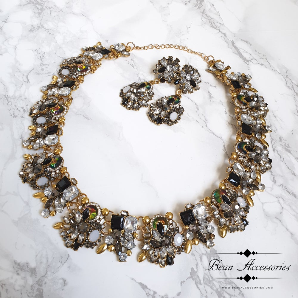 Image of Black Velencia Necklace and Earrings Set
