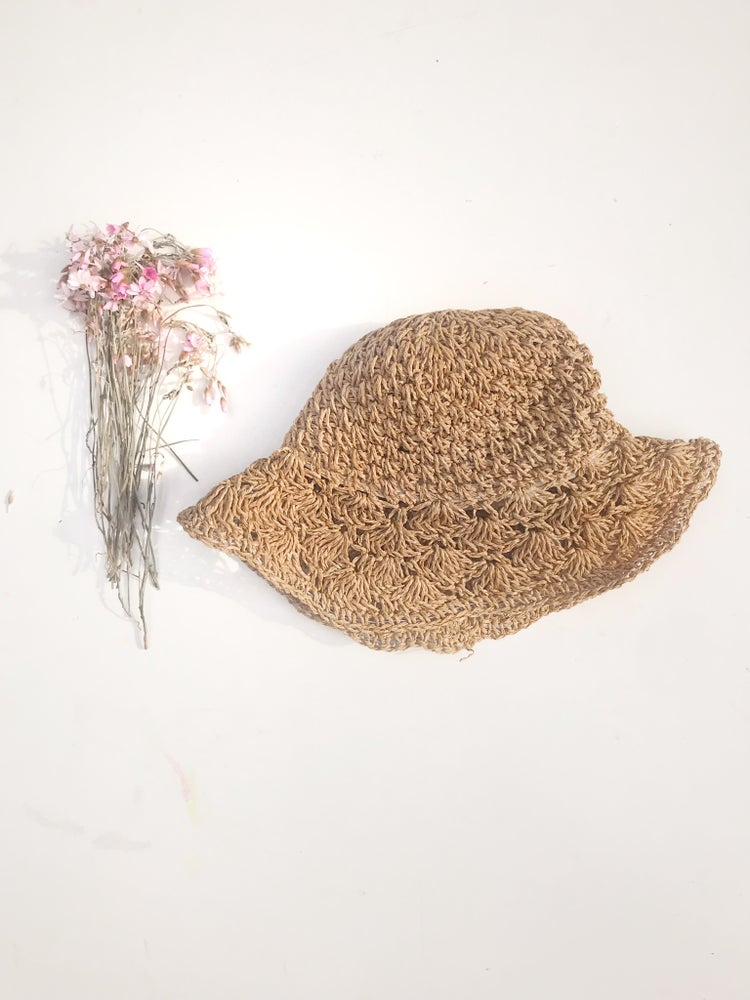 Image of 'orchid' sun hat in natural straw