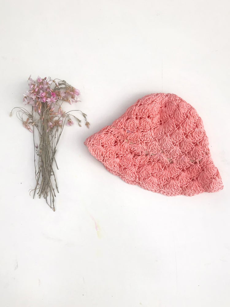 Image of 'dahlia' sun hat in coral pink straw