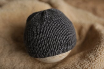 Image of Simple Knit Beanie (dark gray)