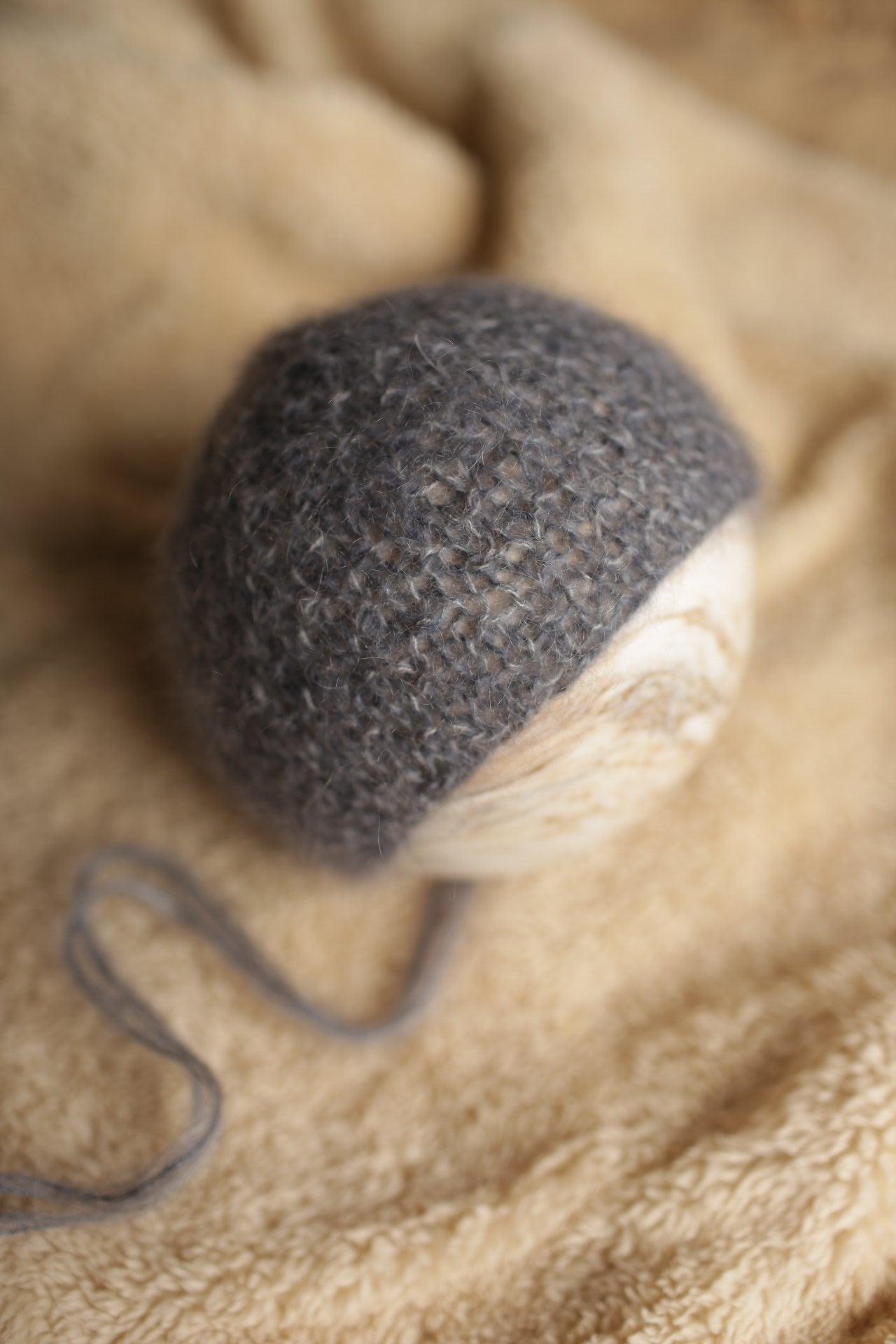 Image of Simple Mohair Textured Bonnet (dark gray)