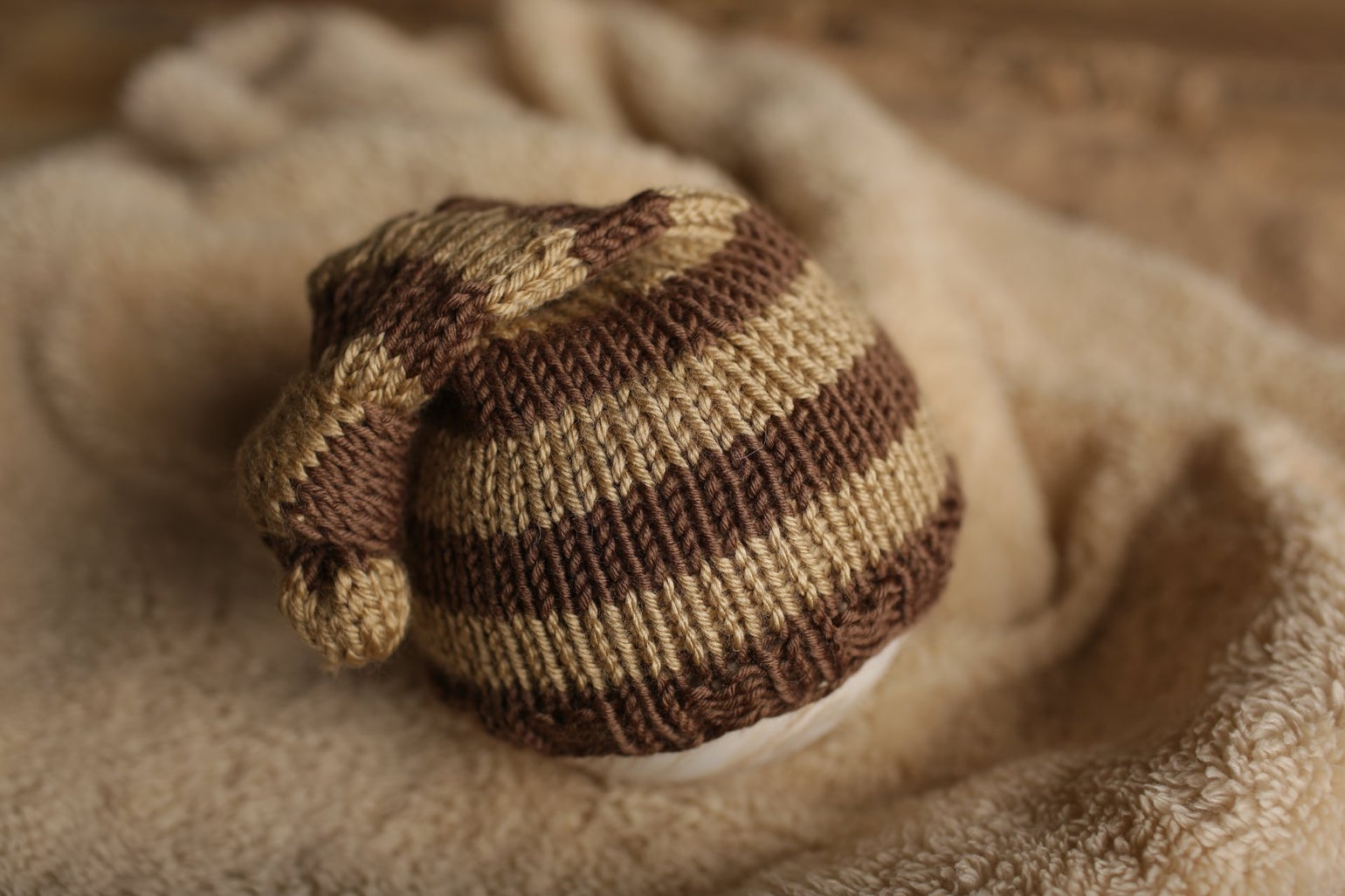 Image of Simple Stripe Knit Knot Cap (chocolate)