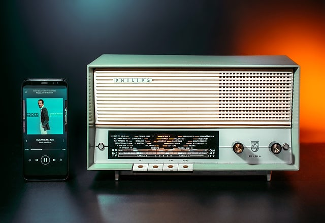 Image of PHILIPS B2I20A GREEN BLUETOOTH (1961)