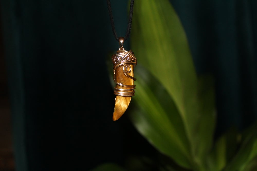 Image of Tigers Eye Sabor tooth Unisex necklace