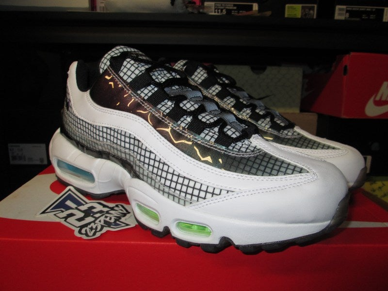 "Image of Air Max 95 LV8 ""Grid Pack - White"""