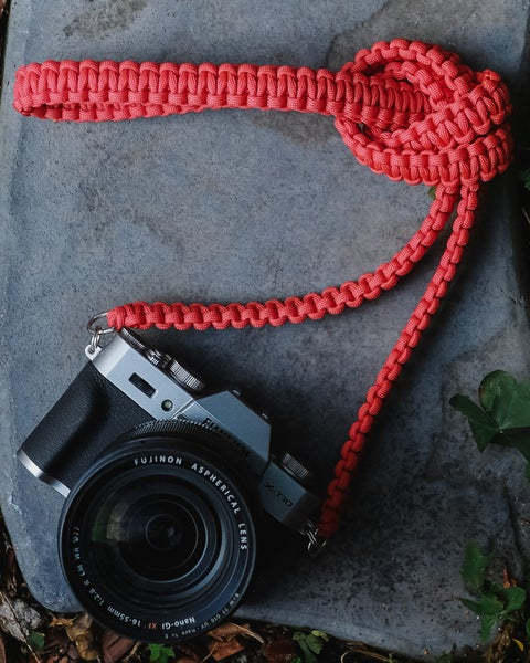 Image of Paracord shoulder/neck camera strap #2