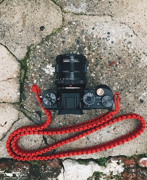 Image of Paracord shoulder/neck camera strap #1