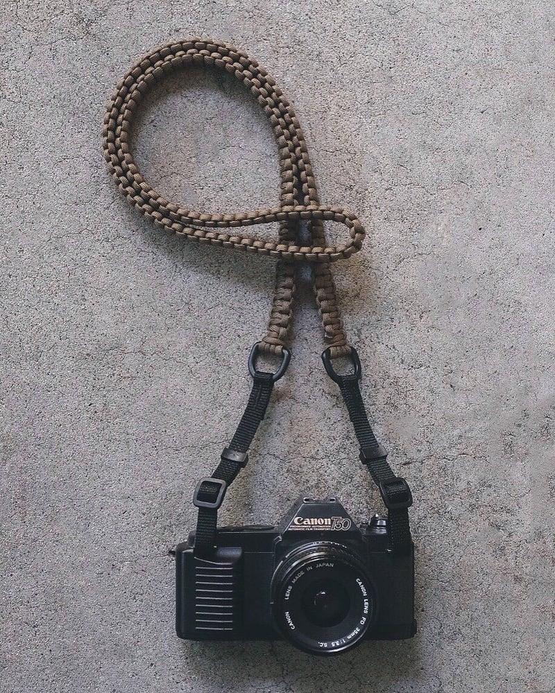 Image of Paracord shoulder/neck strap with original strap connectors