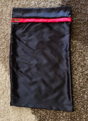"Image of ""Plain Jane"" Black&Red pillowcase"